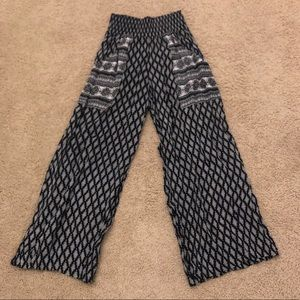 urban outfitters loose/flowy black and white pants